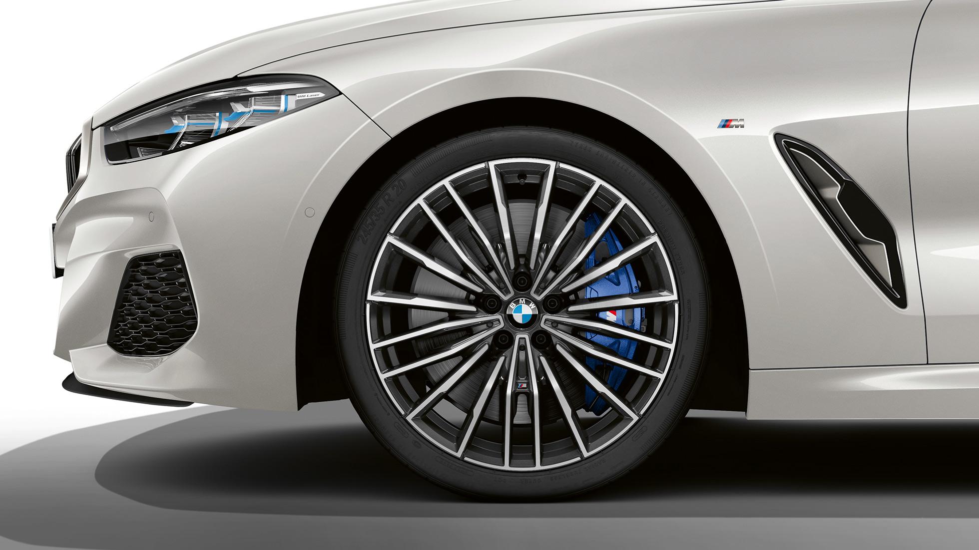 BMW M850i xDrive, 20-дюймовые легкосплавные диски Multi-spoke 729 M.