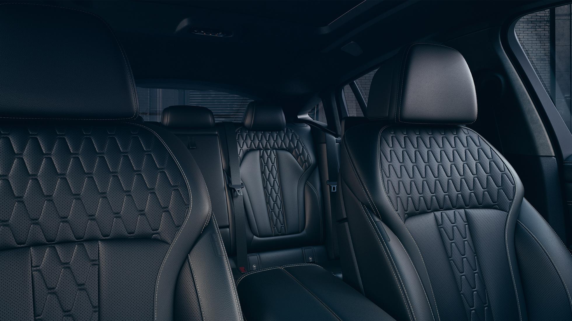 BMW X6, фотография интерьера с фокусом на отделке