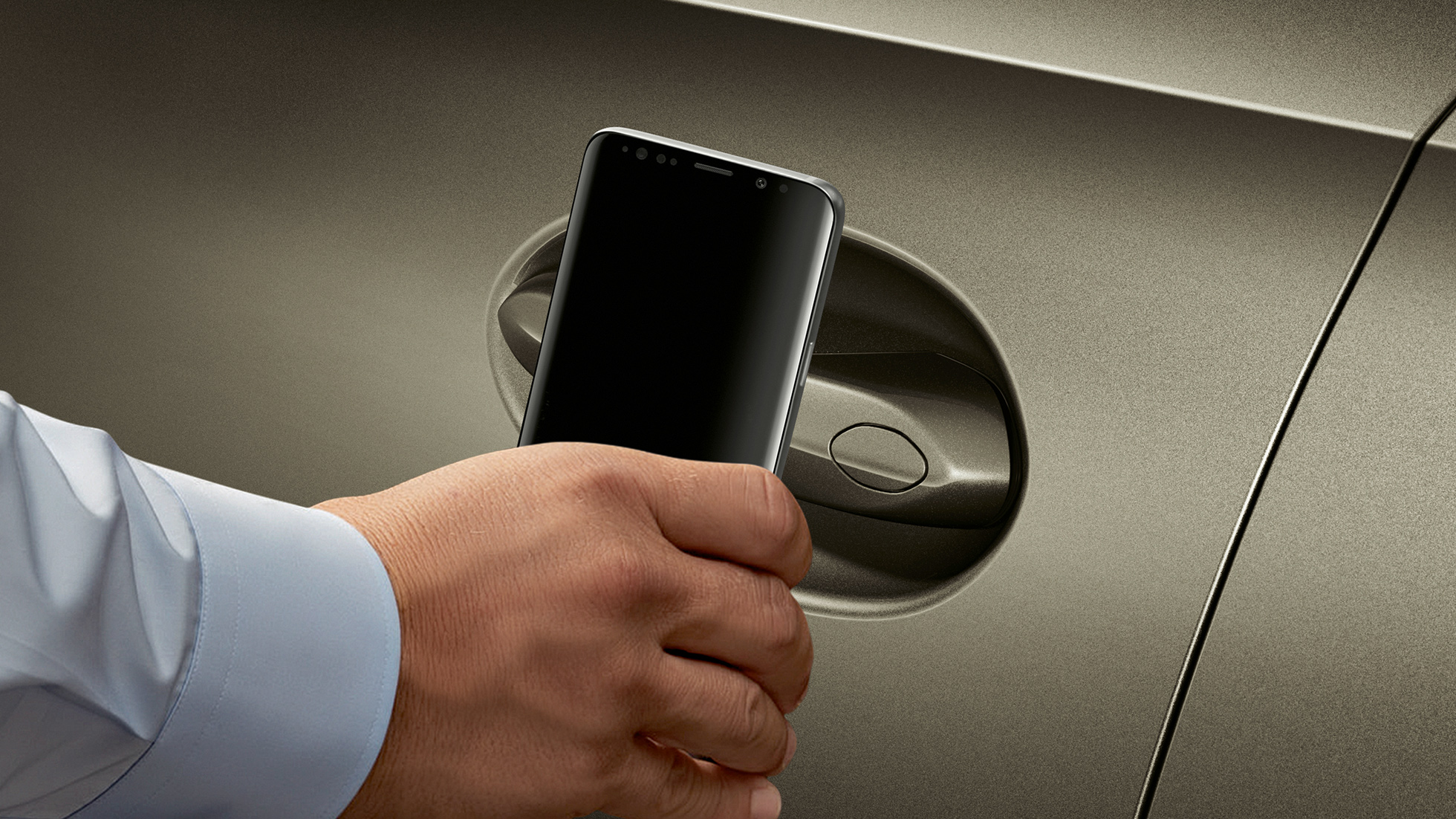 BMW X6, открытый с помощью функции Smart Access со смартфона