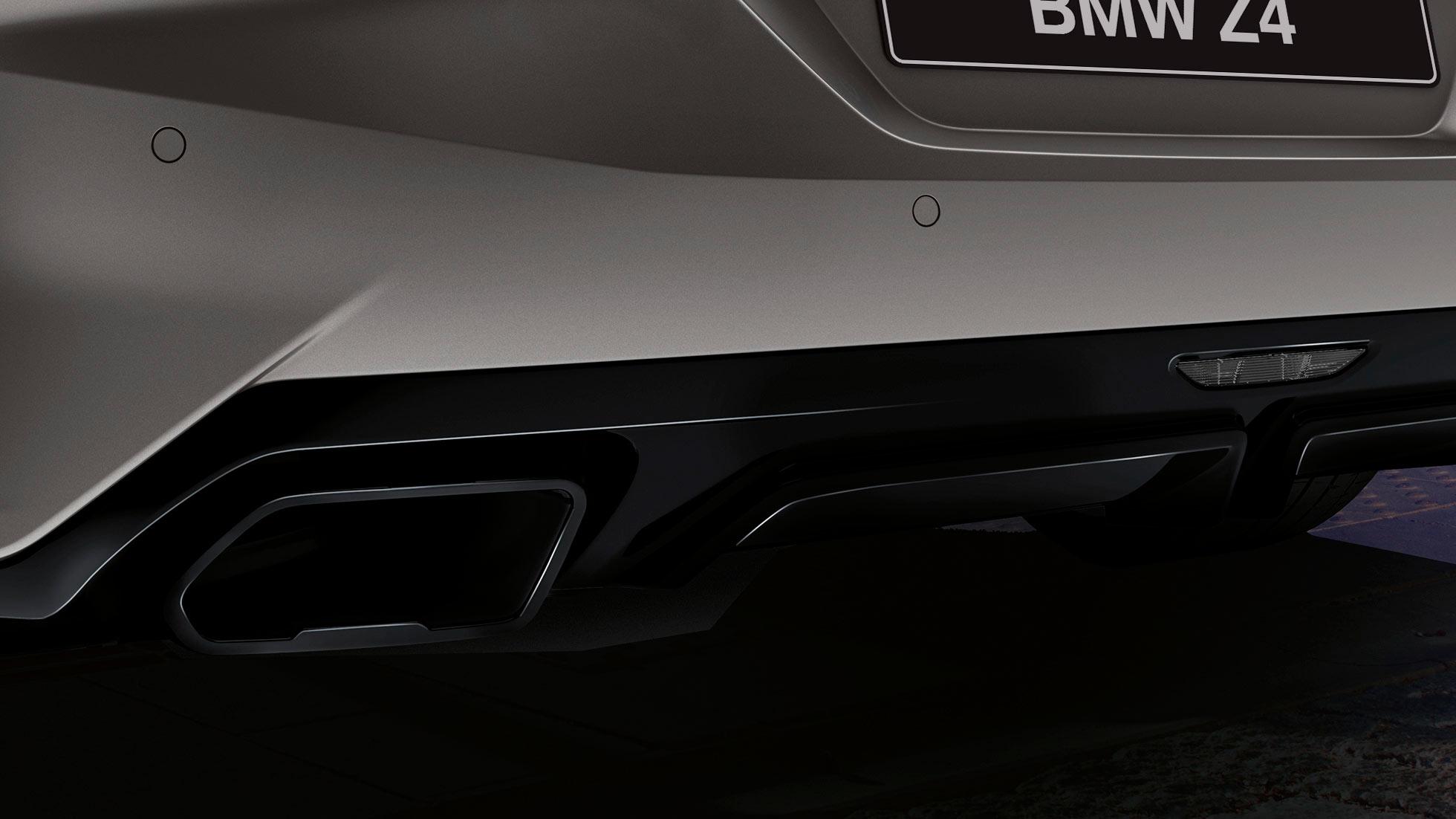 BMW Z4 Roadster в сером цвете, выхлопные патрубки