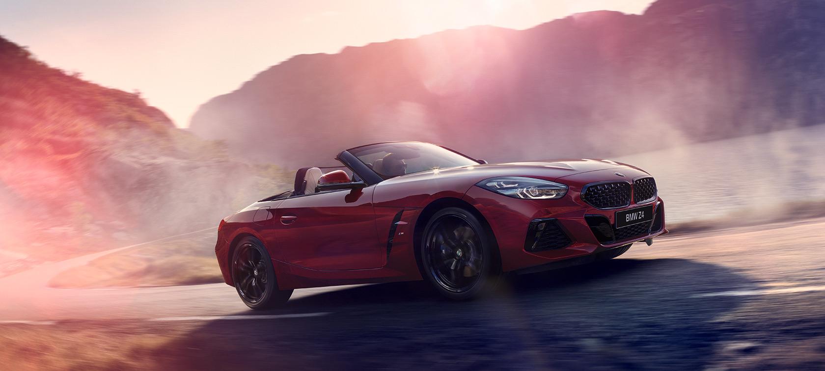 BMW Z4 Roadster преодолевает подъем